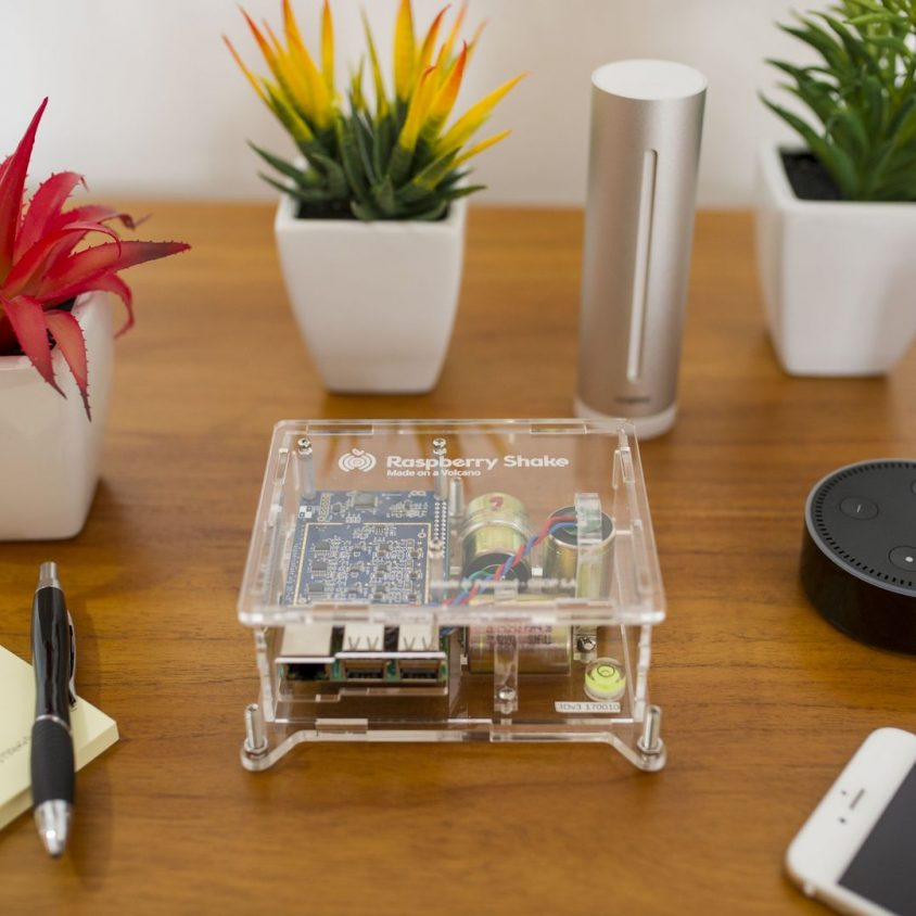 Turnkey IoT Home Earth Monitor RS 3D at Coffee Table