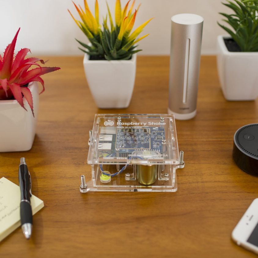 Turnkey IoT Home Earth Monitor RS 4D at Coffee Table